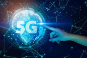 5G 960x640 300x200 - الجيل الخامس 5G حقيقي وسريع كالبرق  إليك كل ما تحتاج إلى معرفته