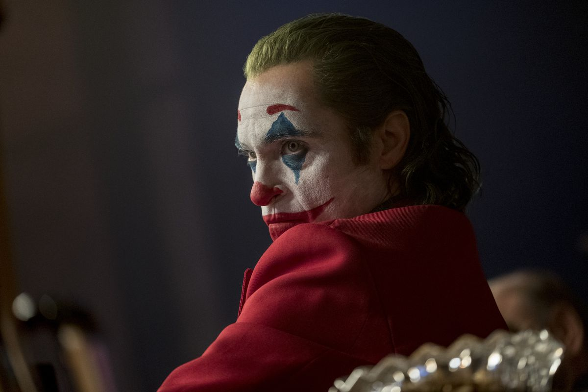 rev 1 JOK 14104r High Res JPEG.0 - سواء أحببته أم كرهته ، يعرض فيلم جوكر Joker خيالًا مغريًا