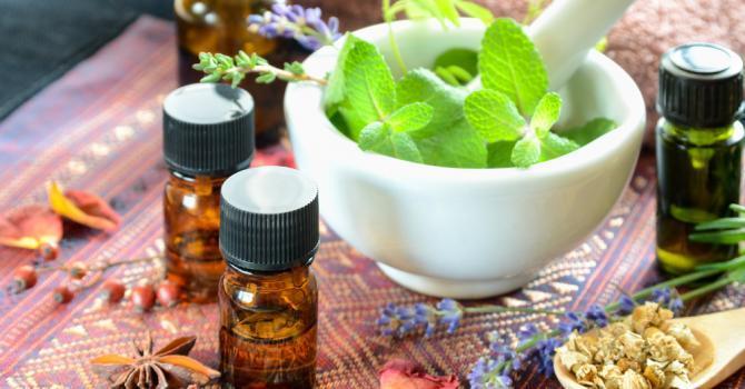 astuces beaute avec de l huile essentielle de menthe poivree - Préparation et  utilisation de l'huile de menthe poivrée