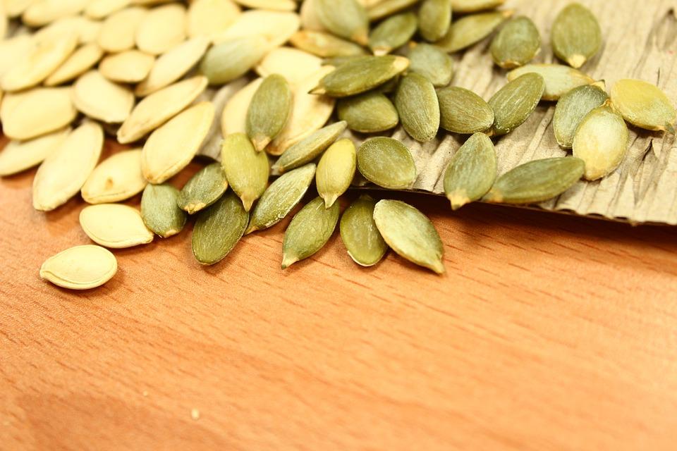 pumpkin seeds 1323854 960 720 - بذور اليقطين طريقة ممتازة للتخلص من الديدان المعوية