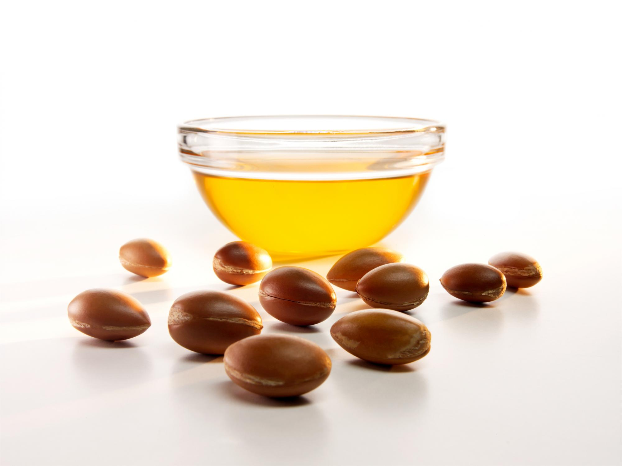 L'huile d'argan considérablement bénéfique pour nourrir et hydrater la peau - Argan oil considerably beneficial for nourishing and hydrating the skin