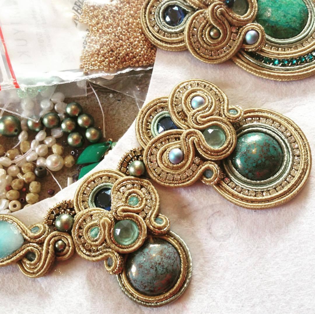 Les bijoux de fantaisie et l'allergie au nickel - Costume jewelry and nickel allergy