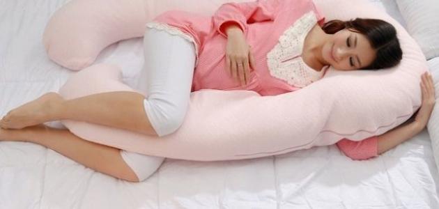 هو النوم الصحيح للحامل - وضعيات للنوم خاطئة أثناء فترة الحمل
