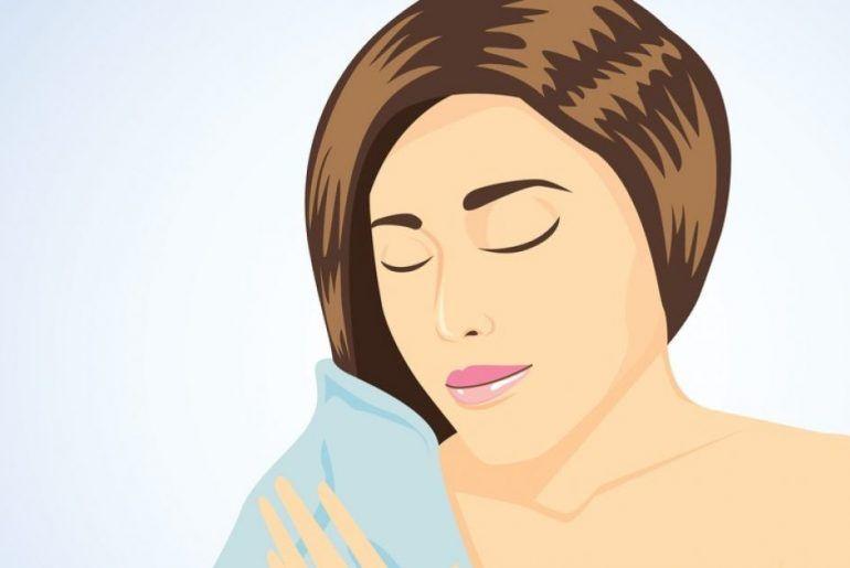 هذا القناع المصنوع منزليًا على إصلاح الشعر التالف - يساعد هذا القناع المصنوع منزليًا على إصلاح الشعر التالف