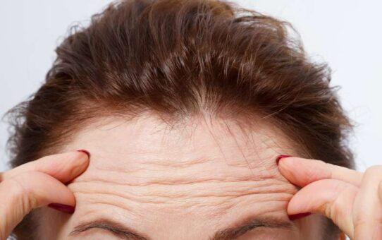 Les erreurs que beaucoup de femmes de plus de 40 ans commettent et qui les font paraitre plus vieilles que leur age 542x340 - Les erreurs que beaucoup de femmes de plus de 40 ans commettent et qui les font paraître plus vieilles que leur âge