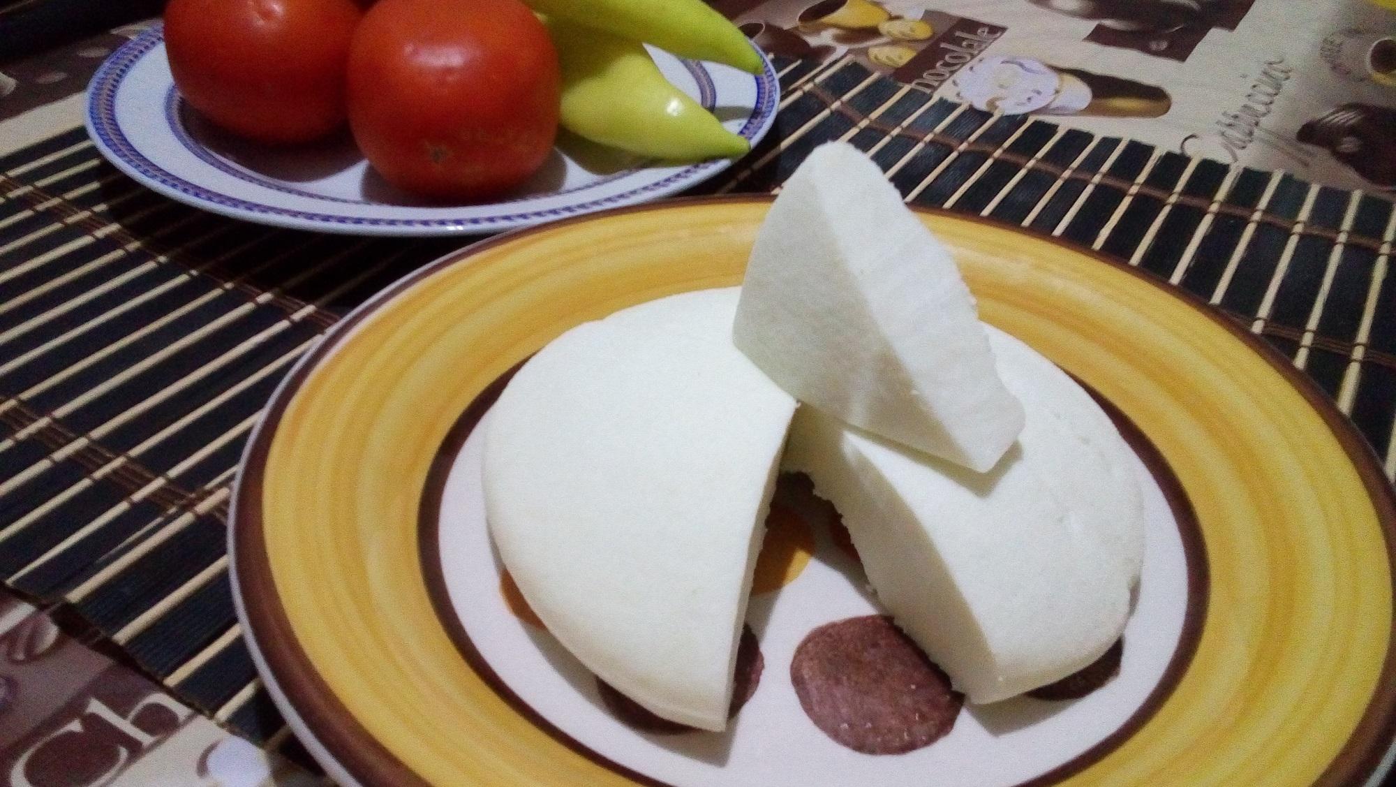 أبيض منزلي سهل و طعمه رائع جداااا - جبن أبيض منزلي سهل و طعمه رائع جداااا