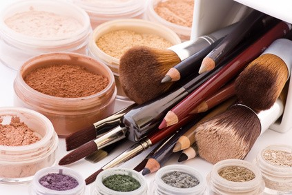 Several alternatives to use less makeup while remaining beautiful - Several alternatives to use less makeup, while remaining beautiful