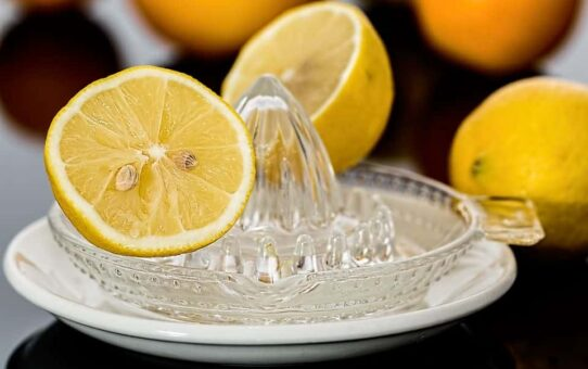 THE MISTAKE EVERYONE MAKES DRINKING WATER WITH LEMON EVERY MORNING 542x340 - THE MISTAKE EVERYONE MAKES: DRINKING WATER WITH LEMON EVERY MORNING