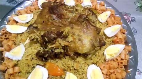 سعودي بتقديم هندي طبق لا يقاوم - كبسة سعودي بتقديم هندي طبق لا يقاوم