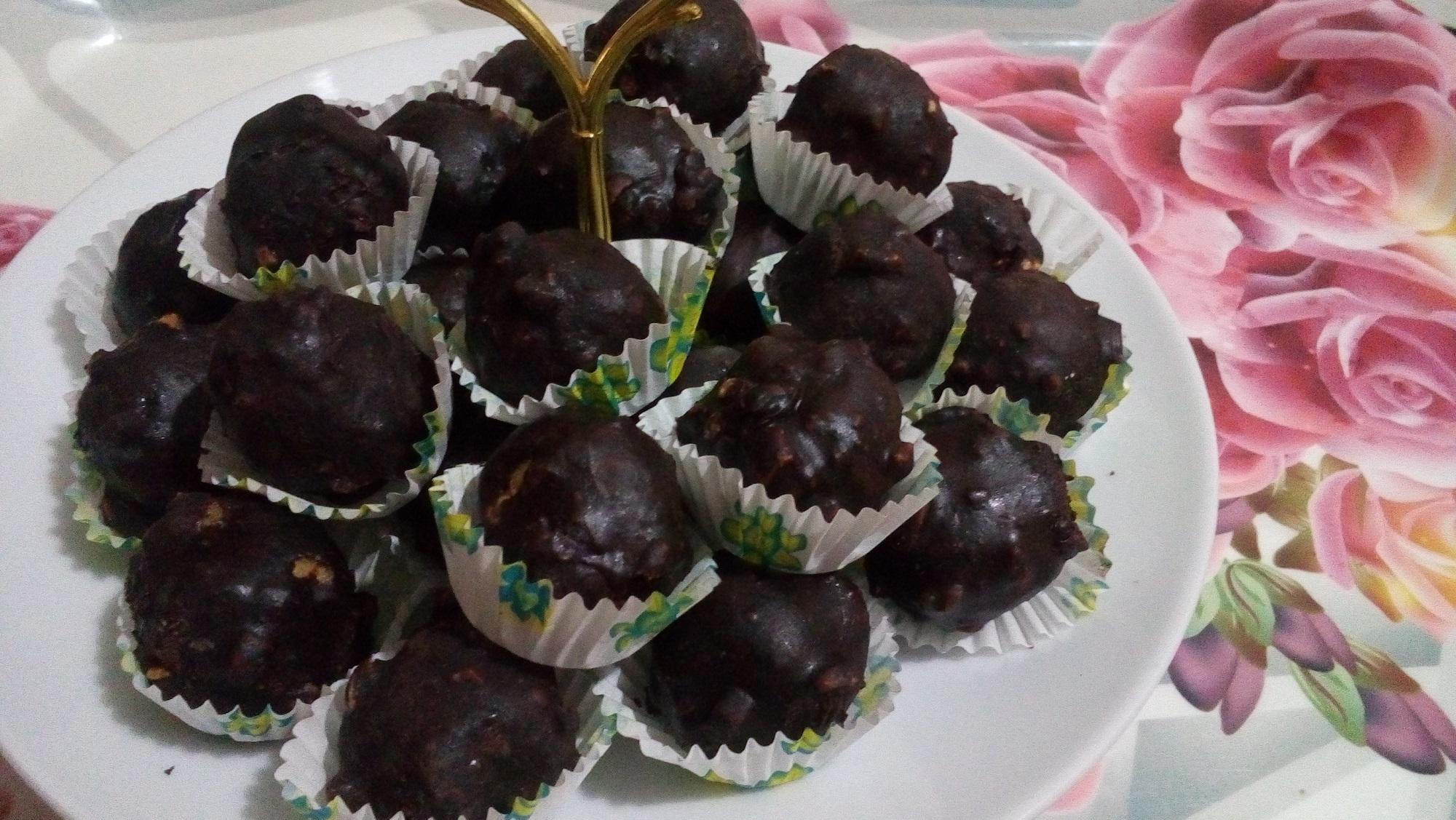 من دون فرن بالفول السوداني و الشوكولاتة سهل و سريع و الطعم حكاية - بسكوت من دون فرن بالفول السوداني و الشوكولاتة سهل و سريع و الطعم حكاية
