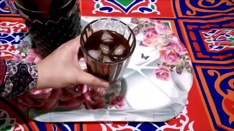 الخروب المنعش على الطريقة المصرية - عصير الخروب المنعش على الطريقة المصرية