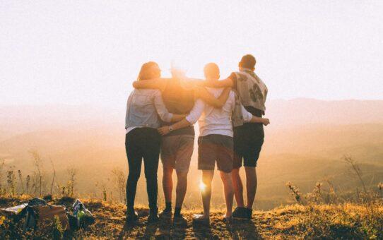 """علماء الرياضيات ، إن مفارقة الصداقة لا تفسر دائمًا صداقات حقيقية 542x340 - يقول علماء الرياضيات ، إن """"مفارقة الصداقة"""" لا تفسر دائمًا صداقات حقيقية"""